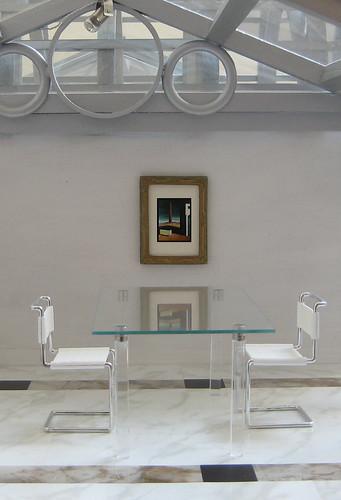 Miniarcs: Modern Glass Top Table
