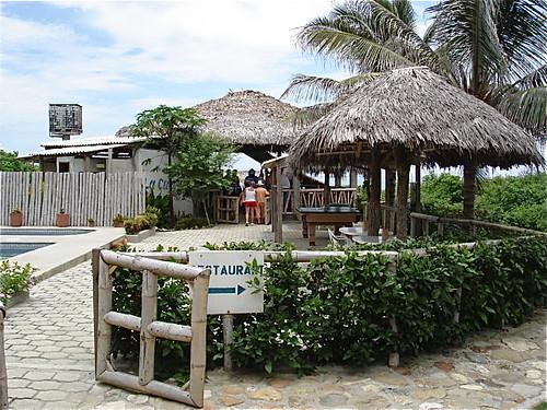 ecuador-beach-restaurant