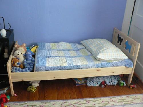 Кровать ребенку своими руками фото
