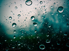 Raindrops (jsprhrmsn.photography) Tags: window ventana drops spain europe gotas crossprocessing raam druppels jsprhrmsnphotography