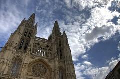 Catedral de Burgos, fachada occidental (daveldoorf) Tags: españa burgos blueribbonwinner patrimoniodelahumanidad supershot totalphoto mywinners abigfave anawesomeshot betterthangood daveldoorf diegohontoria lacatedraldeburgos