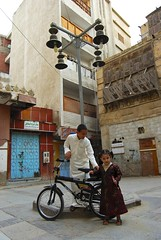 Brother And Sister (Shakir's Photography) Tags: old boy people girl bicycle kids dress post sister brother traditional young saudi lamb jeddah balad shanko