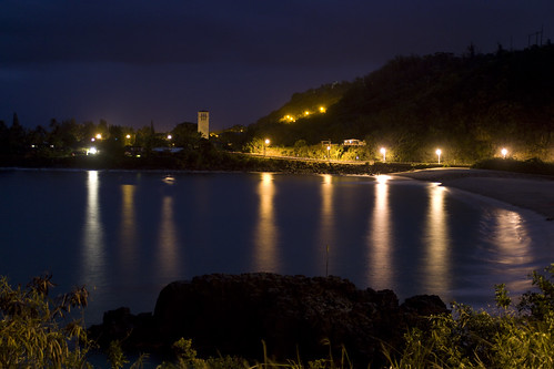 waimea bay's night time story