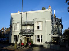 Picture of Red Lion, SW13 9RU
