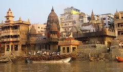 Manikarnika ghat, Varanasi India (mafate69) Tags: voyage travel india asia holy burning burn varanasi asie ganga inde benares ghat gath gange buchet manikarnika bruler incinration earthasia mafate69