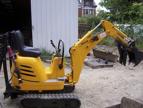 CB electric excavator