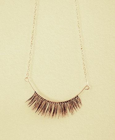 eyelash-necklace-0a