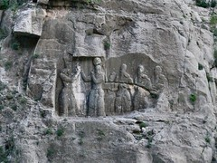 Firuzabad II closer view (dynamosquito) Tags: sculpture persian ancient king iran god prince persia relief iranian basrelief ancien firuzabad perse fars sasanian rockrelief shapuri iranien ahuramazda panasoniclumixdmcfz50 ardashir dynamosquito ardeshiri sasanianempire sasanianera firuzabadii