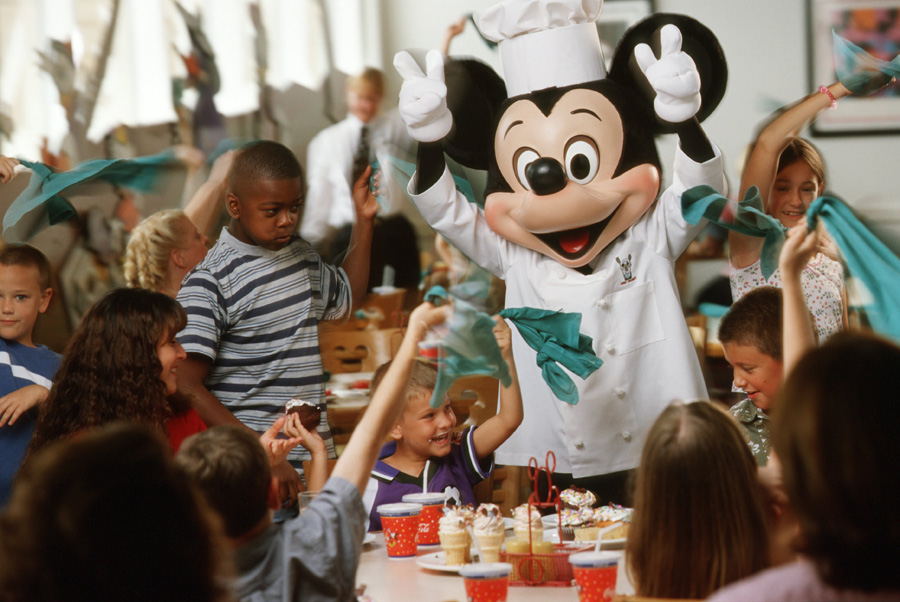 Insider Tips for Dining with Disney Characters at Walt Disney World