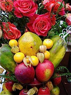 Cotacachi-fresh-food-flowers