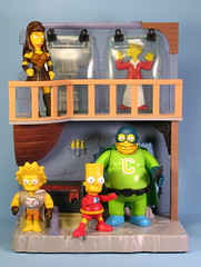 Collector's Lair (FranMoff) Tags: toys bart lisa simpsons actionfigures xena cbg collector playmates gilligan comicbookguy b9 lucylawless bobdenver stretchdude clobbergirl robotb9 collectorslair af1302 af1302p