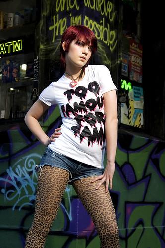 [フリー画像] 人物, 女性, ファッション, 201010251700