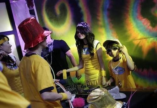 selena gomez games disney. games 2008 Selena Gomez