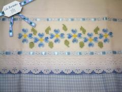 Delicadeza azul (Lila Bordados em Ponto Cruz) Tags: azul decoração cozinha bordado pontocruz panodeprato