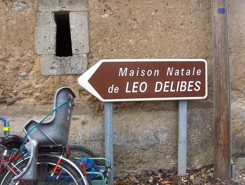 Panneau de maison natale et siège porte-bébé, La Flèche, 6 juillet 2008
