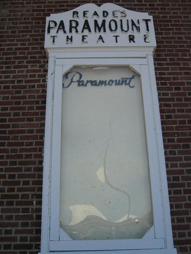 Reade's Paramount Theatre featured sign