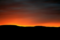 Eldrauður himinn/Flaming Sky (Heida HB) Tags: sunset red mountain holiday abstract colour night landscape iceland cool fourseasons 2008 heida ísland rautt himinn gulur kvöld landslag fjall sólsetur listaverk hellishólar litmynd heidahbphoto heidahbpictures heidahb