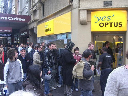 Optus Melbourne - Apple iPhone Queue