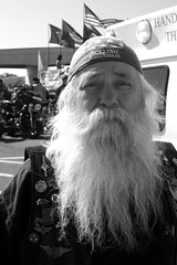 Santa hits the road (thedarkfrench) Tags: old man bike beard dc washington portait flags biker bandana veteran 2008 memorialday sebastien pascual rollingthunder may25 thedarkfrench gatheringthunder