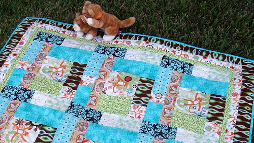 cat quilt with kittens