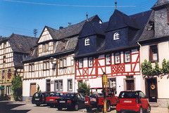 Mosel - Kobern (roger4336) Tags: 2003 germany deutschland halftimbered mosel rheinlandpfalz moselle fachwerk kobern