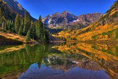 Maroon Bells, Aspen, Colorado (Thad Roan - Bridgepix) Tags: blue autumn trees sky lake snow mountains color reflection fall nature water landscape colorado colorful foliage explore aspen maroonbells specialtouch colorphotoaward ourplanet 200809 hdrspotting