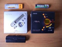 Aiwa AM-NX9 Vs Sony MZ-N710 Front