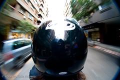 A toda velocidad (Berts @idar) Tags: fisheye zaragoza moto velocidad casco peleng ojodepez espaa peleng8mmfisheye canoneos400ddigital ojosajenos ojosajenoscom