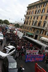 Siamo l'onda che vi travolge (GhostSwann) Tags: rome roma politics scuola onda movimentostudentesco scioperogenerale decretogelmini l13308