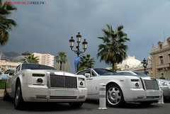 Rolls-Royce Drophead Coup x2 (Julien Rubicondo Photography - julienrubicondo.com) Tags: white black paris france de hotel nikon automobile place cannes duo tunnel rollsroyce automotive du casino montecarlo monaco arab pearl carlo monte d200 luxury sharjah supercar supercars htel drophead hoteldeparis pearlwhite placeducasino hteldeparis