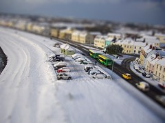 Halfway snow KAP tiltshift (Ningaloo / Aeriali.net) Tags: snow kite bus miniature pentax fake shift fv5 optio 16 kap tilt guernsey s10 flowform cotcmostfavorited becot tiltshiftmakercom