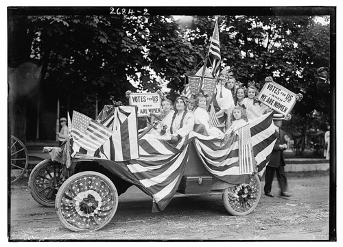 [Suffragettes in parade] (LOC)