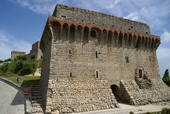 Palace (Karyatis) Tags: old tower castle portugal monument stone military medieval castelo fortification middleages templar ourém karyatis ilustrarportugal reianssance