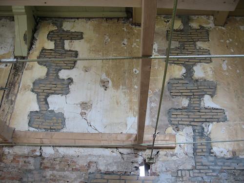 Reparaties aan de binnenmuur