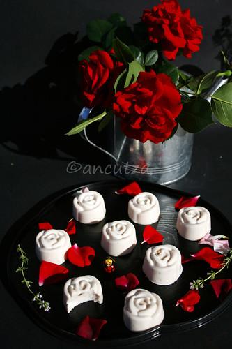 panna cotta alle rose con latte di cocco e agar agar