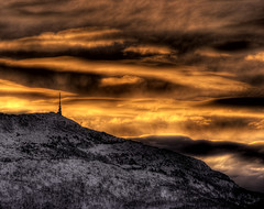 Easter sunrise on Ulriken (Amundn) Tags: morning winter sun mountain holiday snow tower norway clouds sunrise painting easter norge early nikon bergen hdr tvtower ulriken aerialtramway d300 happyeaster tonemapped 5xp ulriksbanen ysplix