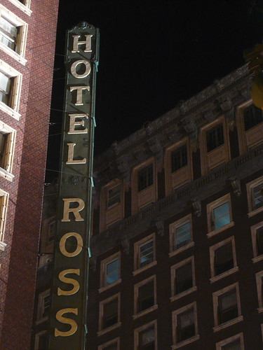 Rosslyn Hotel Vertical Sign