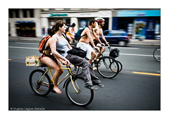 (Hughes Lglise-Bataille) Tags: paris france bike bicycle naked nu protest demonstration panning 2008 vlo manif cyclo manifestation wnbr nudiste cyclonudiste