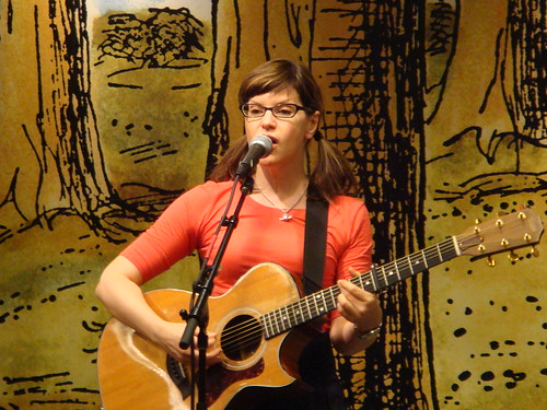 Lisa Loeb @ Seattle Barnes & Noble, 7/12/2008