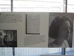 """Exposition """"Carnet de physiciennes"""" d'Odile Welfelé et Fabienne Giboudeaux, montrée ici à l'ENS."""