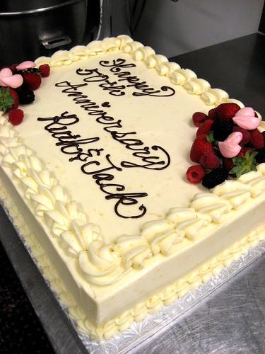 Anniversary cake 017