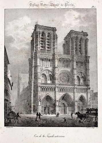 Paris02- Vista de la fachada exterior