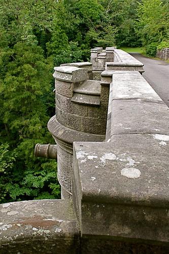 """""""Overtoun bridge"""" El puente de los perros suicidas"""