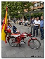 Coches antiguos en Palencia.10 (TrinFotografo) Tags: olympus antiguos moto zuiko coches venta baños palencia concentración 1260mm dervi