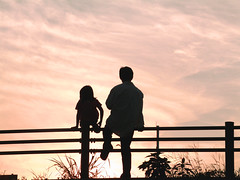 Two in sunset  /   (k_keiko) Tags: sunset father daughter aplusphoto 5mikesep