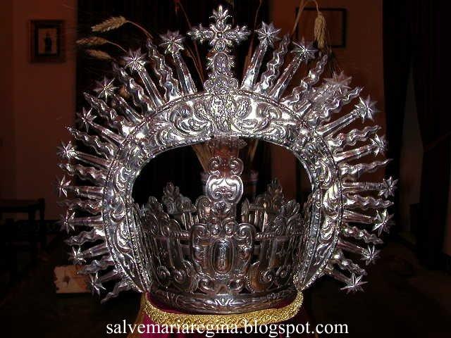 Corona de Nuestra Señora de la Oliva.