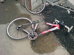 Not a good commute today (TchmilFan) Tags: london broken cycling crash record carbon mavic k800i campagnolo ridley speedplay damocles rsys dinotte unobtanium