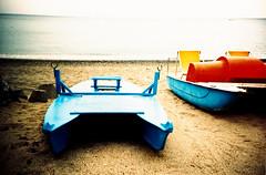 L'estate sta finendo V (Ilaria ) Tags: lomo lca xpro mare estate crossprocess slide lomolca genova spiaggia diapositiva kodakelitechrome100 kodakelitechrome ombrellone cogoleto toycamerafotografiaanalogicaitalia sviluppoinvertito