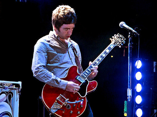 Noel Gallagher - Vancouver Concert - aug 27, 08 © LightBulb_Sunset