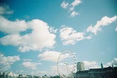 London Eye (thisharlequinvalentine) Tags: england london wheel icons londoneye vivitarultrawideandslim dnpcenturia200 vuws